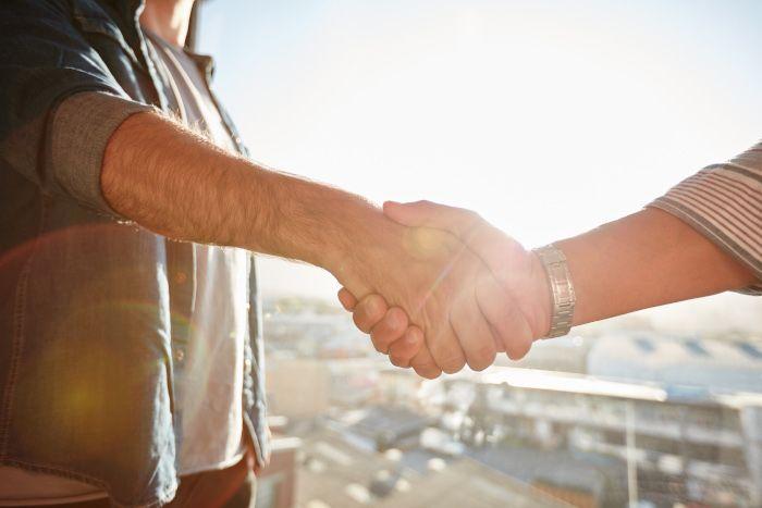 Accord - shake hands